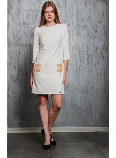 JEANNE D'ARC Truvakar Kol Ceplerinde Zincir Detaylı Elbise Je91791 Beyaz